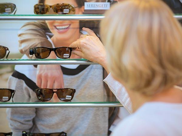 0923fcb4729f67 Zonnebrillen bij Bart van Meurs Optiek en Optometrie in Rotterdam Zuid